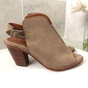 NEW!  Frye Courtney Sling Block Heel Sandal - 8.5